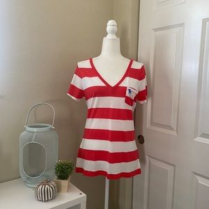 Abercrombie & Fitch Red and White Striped T-Shirt
